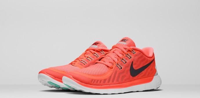 Nike_Running_SU15_STNDRD_724383_800_PAIR.psd