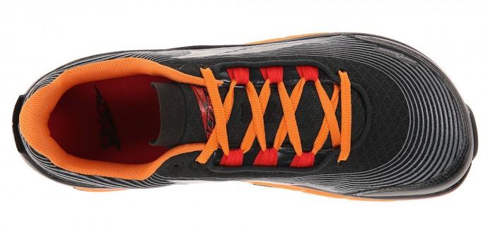 05eef87b87604 Questo non vale per tutte le scarpe da trail ma solo per quelle con  tendenze più natural  il puntale è più largo di quello stradale in modo da  permettere ...