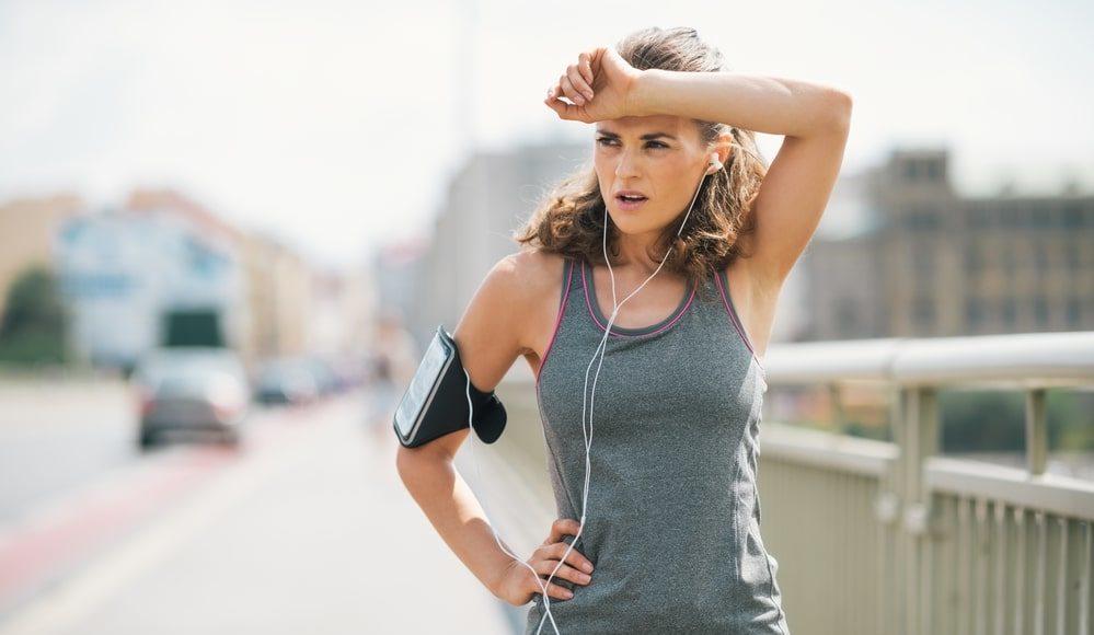 Idratarsi durante la corsa: come e quanto bere quando si corre